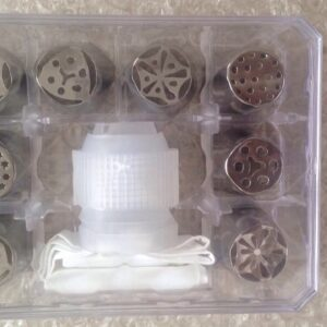 RUSSIAN NOZZLES SET OF 8PC WITH CONNECTOR & PIPING BAG IN ACRYLIC BOX